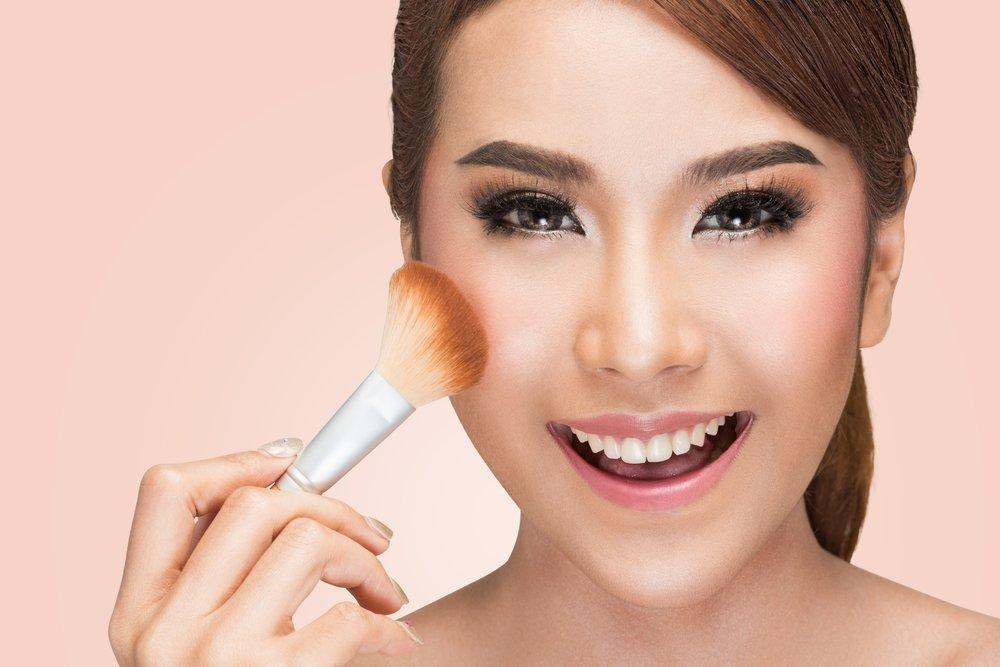Что нанести на лицо перед тональным кремом? Готовим лицо к макияжу 3