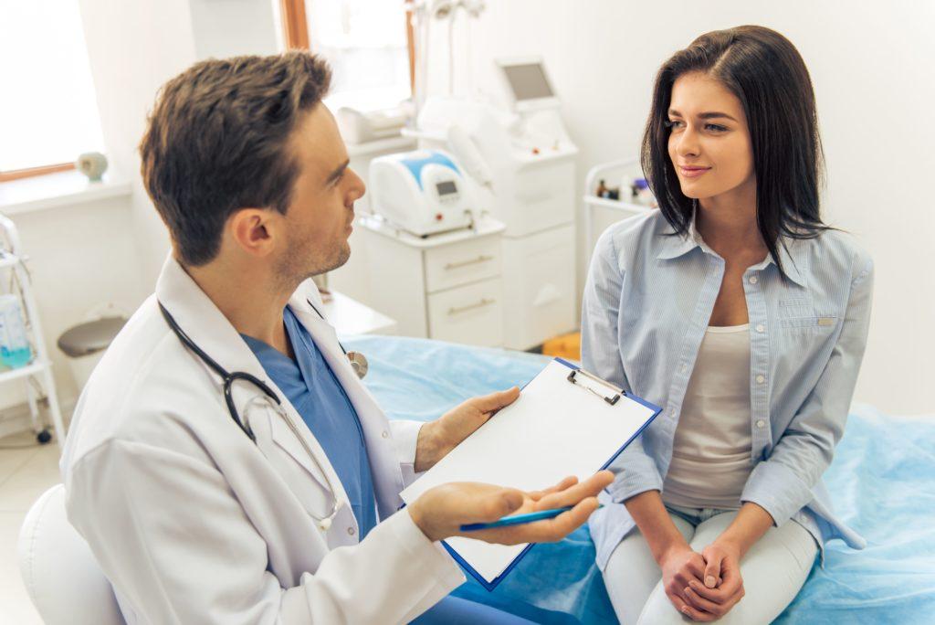 Как побороть стеснение перед мужчиной гинекологом?