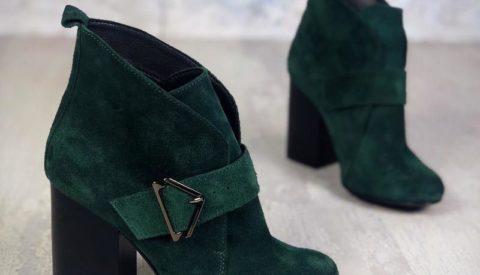 Изысканная вещица в любом образе — зелёные ботильоны
