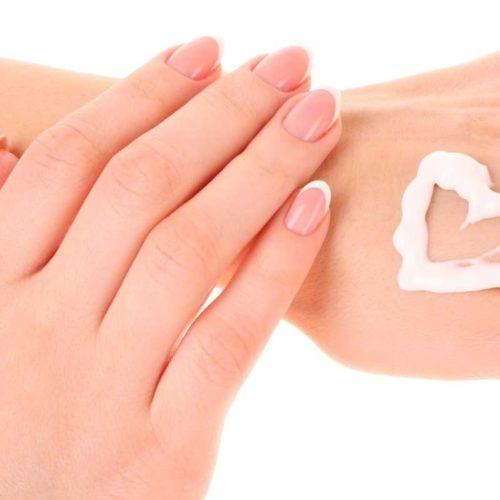 Варианты кремов для рук с увлажняющим эффектом