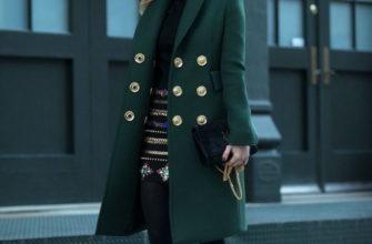 Чем дополнить образ с двубортным пальто