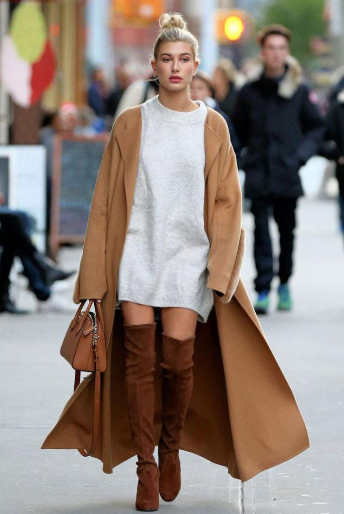 С чем носить женское пальто бежевого цвета? длинное