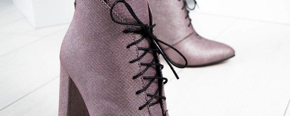 Стильные образы с ботильонами на шнуровке