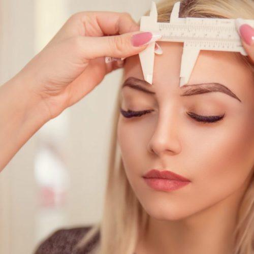 Как проводится процедура перманентного макияжа бровей?