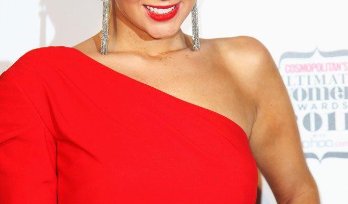 Идеи макияжа под красное платье