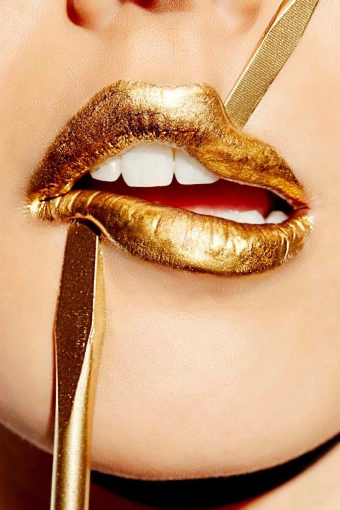 """макияж губ """"блеск металла"""""""