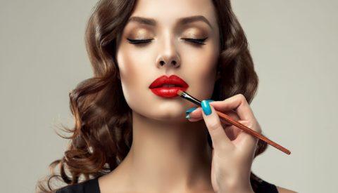 Как правильно наносить макияж?