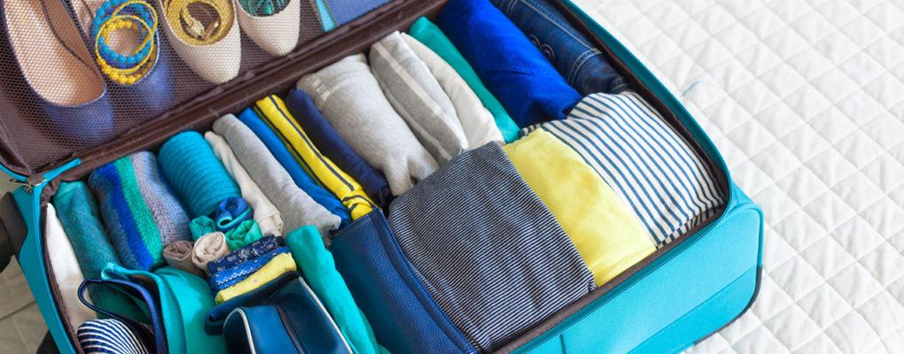 Как сложить футболку в чемодан