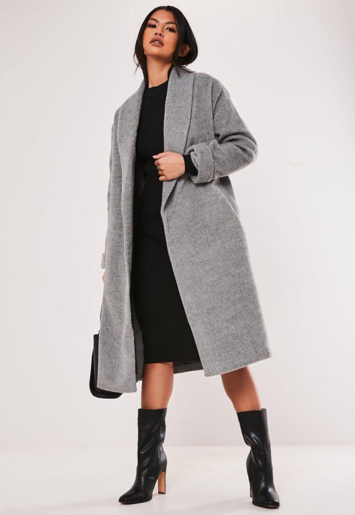 Серое пальто с платьем.