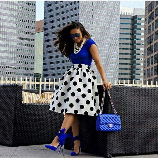 С чем носить синие женские туфли