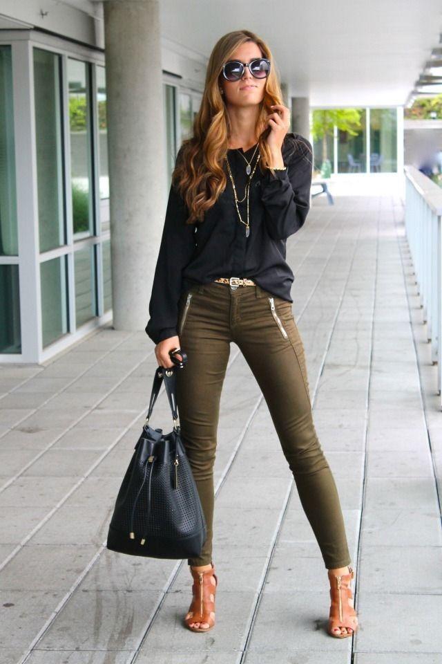 Коричневые туфли и узкие брюки