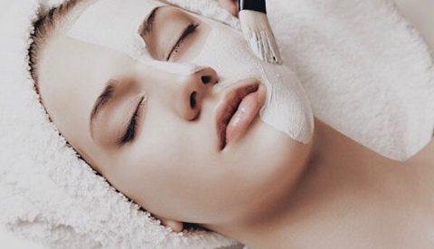Что лучше для лица — скраб или пилинг?