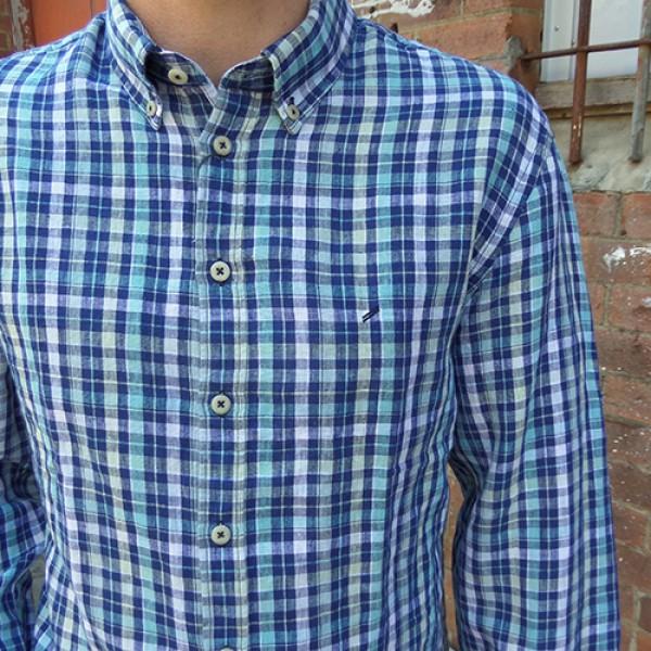 Классическая рубашка марки Daniel Hechter