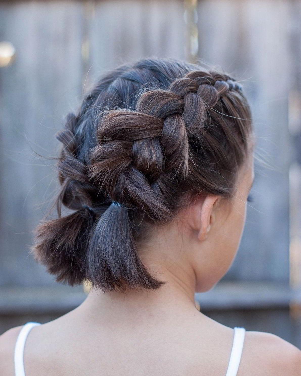косы на коротких волосах