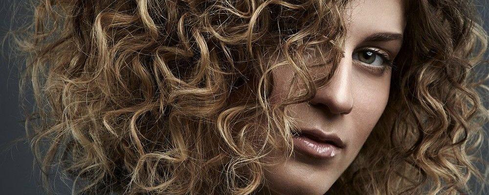 Биозавивка на средние волосы и всё о ней