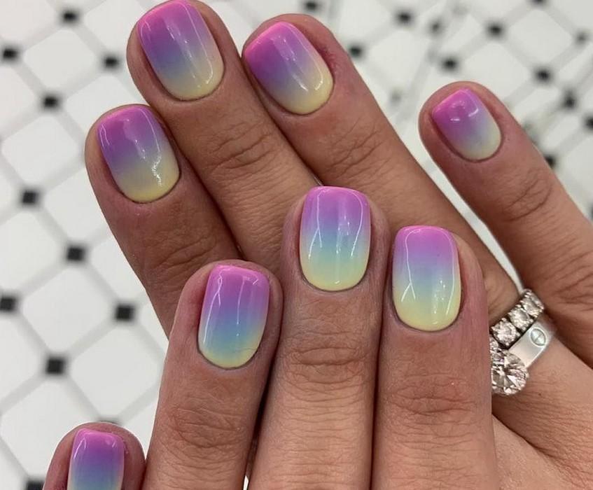 Модный и стильный маникюр на короткие ногти 2021 года